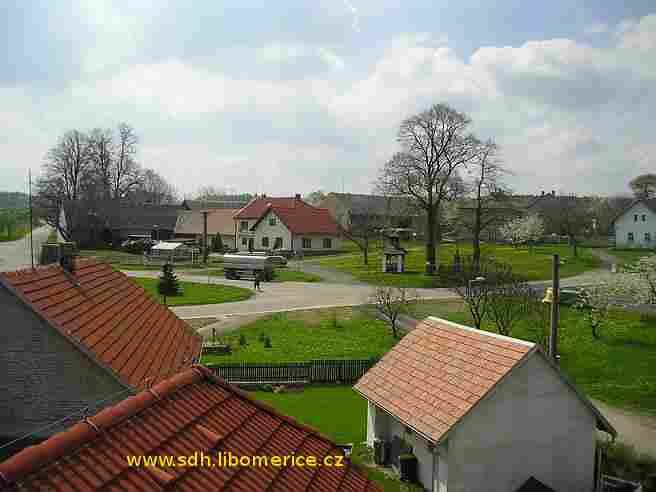 Obec Liboměřice - náves